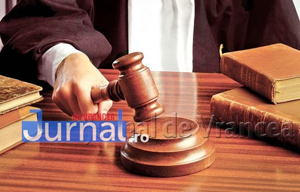 justitie-ciocan-judecator