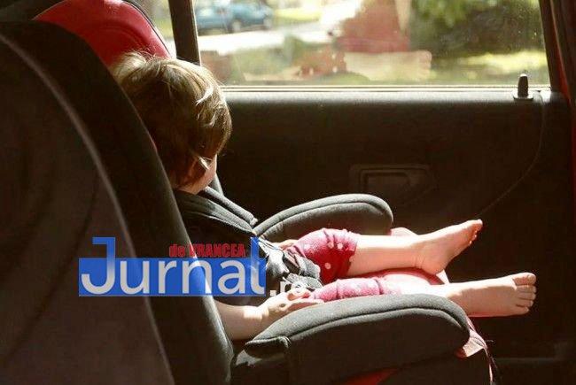 copil-blocat-in-masina-