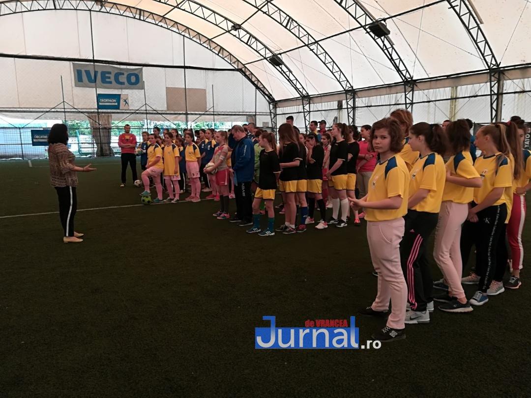 thumbnail 19 - FOTO: 420 de olimpici vrânceni, premiați de Consiliul Județean cu echipamente sportive