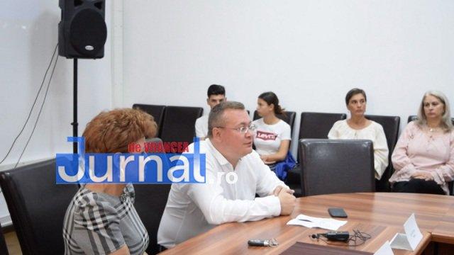 Caravana locurilor de munca 2 - FOTO: Păncenii, încurajați să se angajeze la Tricotton Junior
