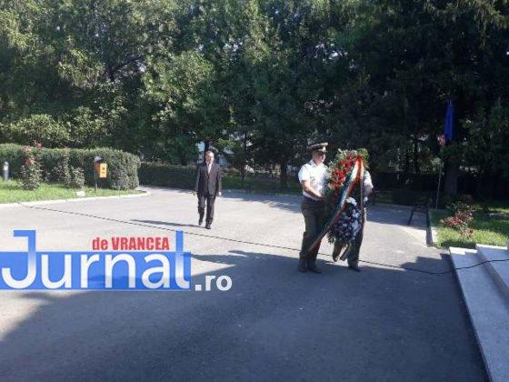 manifestari vrancea eroica centenar mausoleul focsani11 560x420 - VIDEO ȘI FOTO: Eroii, comemorați la Mausoleul Focșani
