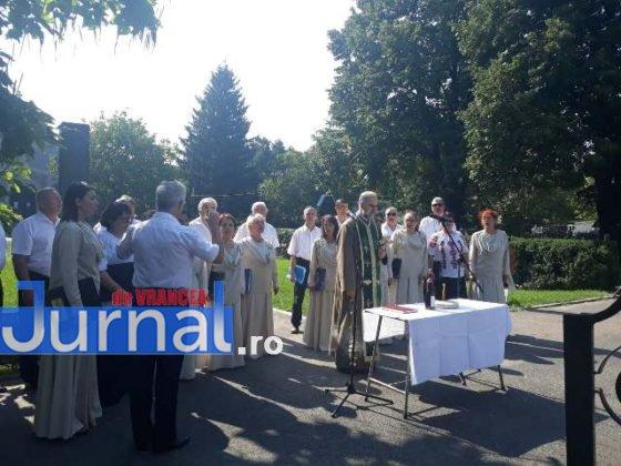 manifestari vrancea eroica centenar mausoleul focsani8 560x420 - VIDEO ȘI FOTO: Eroii, comemorați la Mausoleul Focșani