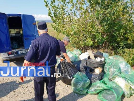 """jandarmeria vrancea let s do it romania 4 560x420 - FOTO: Jandarmii vrânceni au participat la campania de ecologizare """"Let`s Do It România"""""""