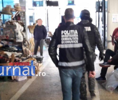 descinderi mascati piata moldovei3 498x420 - FOTO-ULTIMĂ ORĂ: Descindere a mascaților în Piața Moldovei