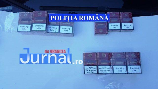 descinderi mascati piata moldovei5 - FOTO-ULTIMĂ ORĂ: Descindere a mascaților în Piața Moldovei