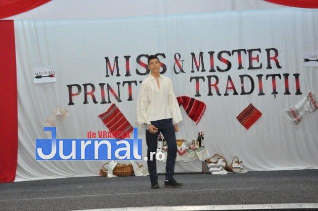 """Miss si Mister Boboc LTAIC 2018 14 632x420 - FOTO: Andreea Bonțoi și Cosmin Melinte - Miss și Mister Boboc 2018 de la Liceul Tehnologic """"Al. I. Cuza"""" Panciu"""