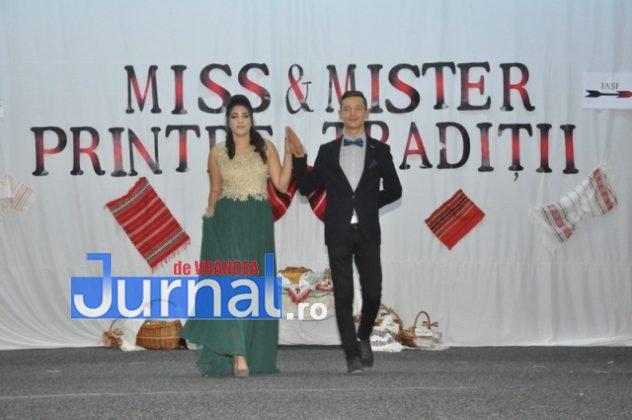 """Miss si Mister Boboc LTAIC 2018 48 632x420 - FOTO: Andreea Bonțoi și Cosmin Melinte - Miss și Mister Boboc 2018 de la Liceul Tehnologic """"Al. I. Cuza"""" Panciu"""