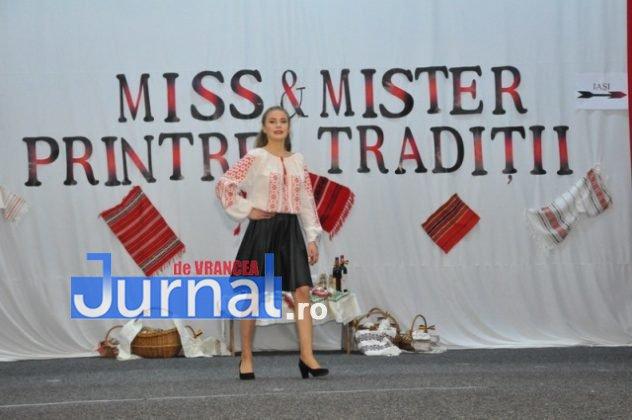 """Miss si Mister Boboc LTAIC 2018 9 632x420 - FOTO: Andreea Bonțoi și Cosmin Melinte - Miss și Mister Boboc 2018 de la Liceul Tehnologic """"Al. I. Cuza"""" Panciu"""