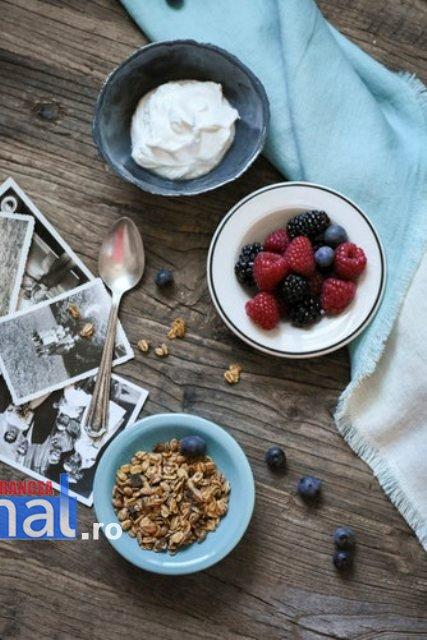 alimente sanatoase fructe de padure - Cum îți poți întări imunitatea în sezonul rece?