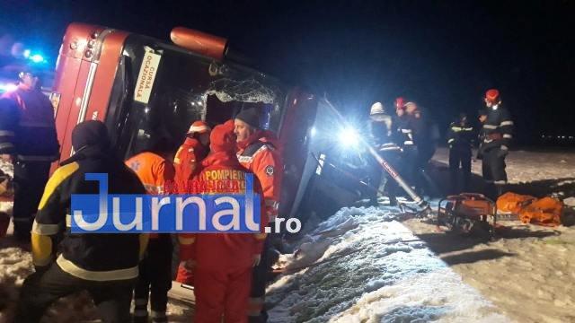 autocar rasturnat2 - VIDEO-UPDATE-FOTO-ULTIMĂ ORĂ: Un autocar s-a răsturnat la Haret