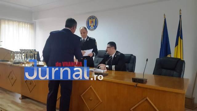 avansari 1 decembrie politie11 - GALERIE FOTO: Avansări în grad la IPJ Vrancea, cu ocazia Zilei Naționale a României