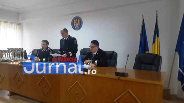 avansari 1 decembrie politie6 - GALERIE FOTO: Avansări în grad la IPJ Vrancea, cu ocazia Zilei Naționale a României