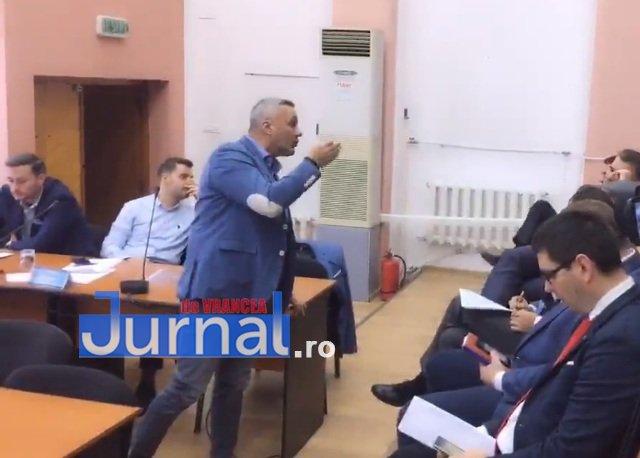 """consilier tanase pnl scandal clm - FOTO: Scandal în Consiliul Local. ENET, de la """"gaură neagră"""" la demisii"""