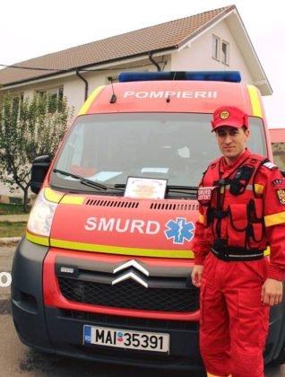 """pompierul lunii octombrie1 318x420 - FOTO: Cine este """"pompierul lunii octombrie"""""""