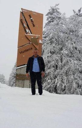 zapada vrancea1 270x420 - FOTO: La munte ninge ca-n povești! Frig și ninsori până duminică