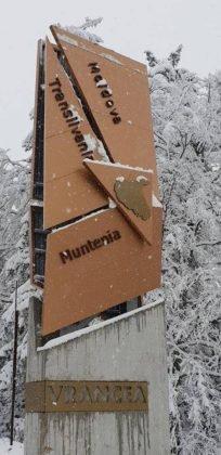 zapada vrancea5 204x420 - FOTO: La munte ninge ca-n povești! Frig și ninsori până duminică