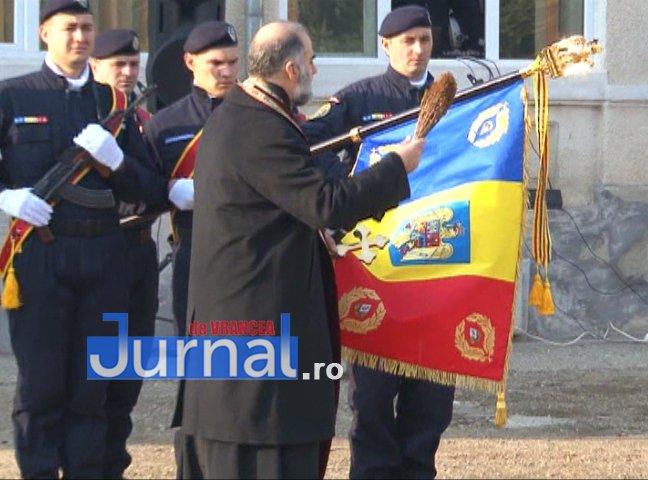 DRAPEL 4 - FOTO: Jandarmeria Vrancea are un nou Drapel de Luptă