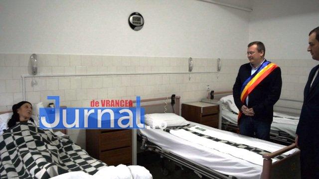 Inaugurare Compartiment Gastroenterologie 10 - FOTO: Primarul Iulian Nica și vicepreședintele Consiliului Județean Vrancea, Dănuț Cristian, au inaugurat Compartimentul Gastroenterologie al Spitalului Orășenesc Panciu
