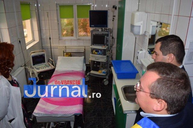 Inaugurare Compartiment Gastroenterologie 8 - FOTO: Primarul Iulian Nica și vicepreședintele Consiliului Județean Vrancea, Dănuț Cristian, au inaugurat Compartimentul Gastroenterologie al Spitalului Orășenesc Panciu