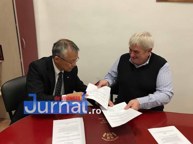 parteneriat cnu japonia2 - FOTO: Premieră la CNU: Elevii Colegiului pot urma cursurile unei universități din Japonia