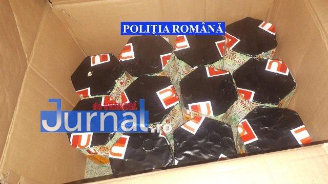 perchezitii articole pirotehnice pocnitori5 - FOTO: Percheziții la un tânăr care vindea ilegal artificii și pocnitori