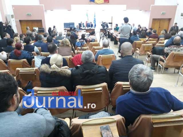 sedinta consiliul local2 - FOTO: Caz rezolvat! Nu se va impune o nouă taxă, pentru salubrizarea stradală