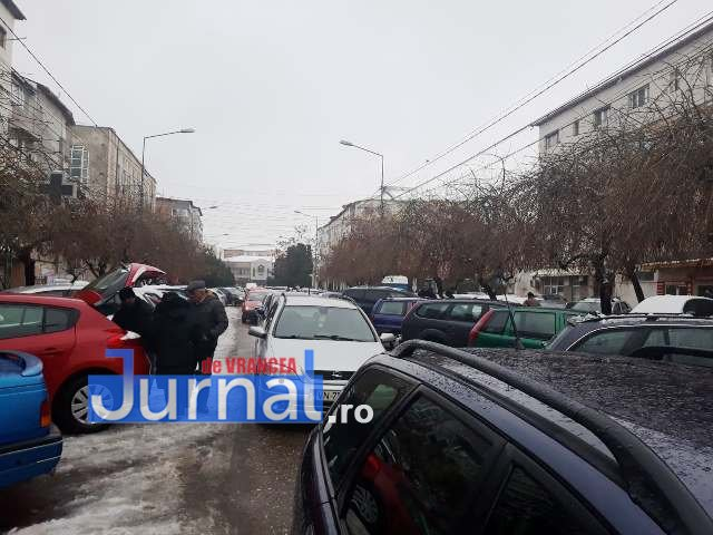 strada mare a unirii blocata aglomeratie1 - FOTO-ULTIMĂ ORĂ: Strada Mare a Unirii, BLOCATĂ