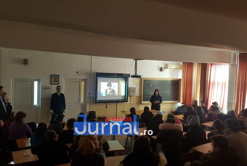 campanie prevenire scoli2 - IPJ Vrancea - Campanie în școli pentru prevenirea consumului de droguri și a traficului de persoane