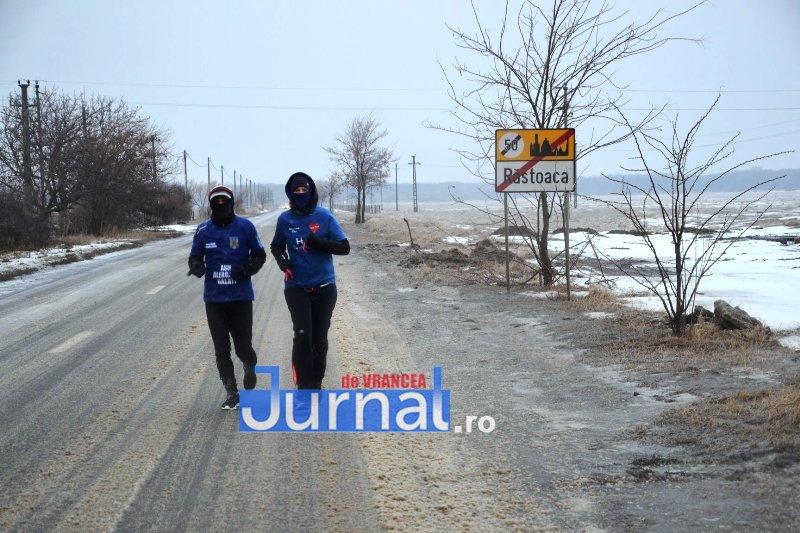 laurentiu cobzaru maraton 1 - Povestea militarului maratonist și a Anei, pentru care a alergat de la Galați la Focșani