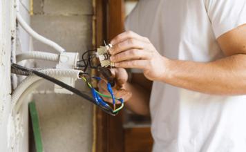 Electrician Instalatii energetice 1 356x220 - Jurnal de Vrancea