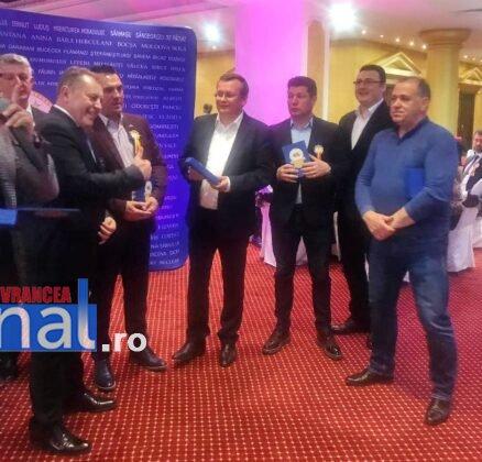 Panciu AOR2 438x420 - FOTO: Primarul Iulian Nica, premiat pentru performanță și succes în administrația locală
