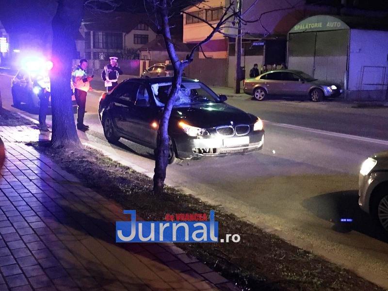 bmw focsani mort 3jpg - FOTO-ULTIMĂ ORĂ: Bărbat lovit mortal de o mașină pe șoseaua Vrancei! Șoferița a fugit de la locul accidentului