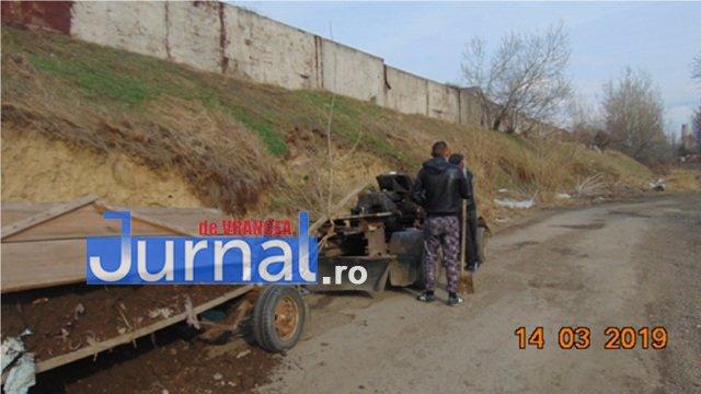 gunoaie camp amenzi2 - FOTO: Noi amenzi pentru gunoaie aruncate la voia întâmplării! Căruță cu pământ, golită pe strada Cotești