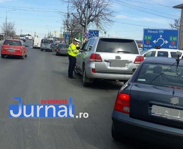 politia rutiera actiune2 - FOTO: Zeci de amenzi pentru șoferii și pasagerii care nu poartă centura de siguranță