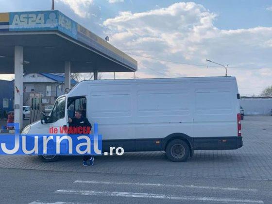protest autoastrada moldova sieu2 560x420 - FOTO-VIDEO: Blocaj pe DN2, pentru 15 minute! Șoferii au tras pe dreapta pentru că vor autostrăzi