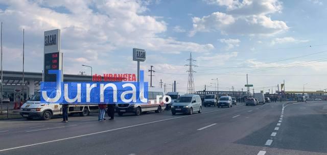protest autoastrada moldova sieu4 - FOTO-VIDEO: Blocaj pe DN2, pentru 15 minute! Șoferii au tras pe dreapta pentru că vor autostrăzi