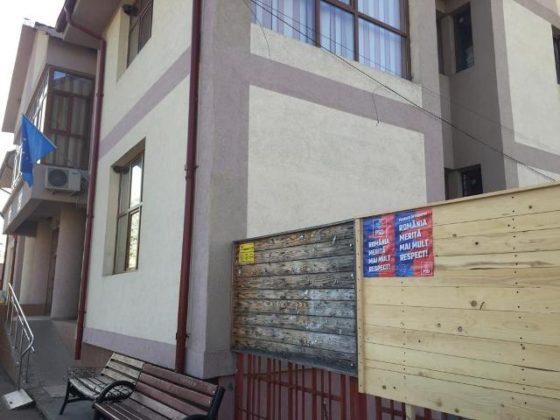 Vidra 3 560x420 - FOTO: PSD fură din nou. De această dată startul campaniei pentru alegerile europarlamentare