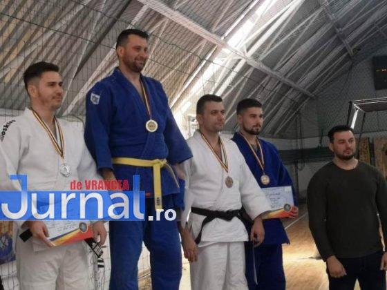 campionatul national unifight mai politisti2 560x420 - FOTO-VIDEO: Medalii de aur pentru polițiștii din Vrancea la Campionatul Național de UNIFIGHT al MAI
