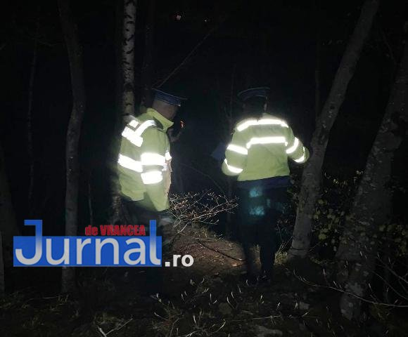 cautare barbat cascada - UPDATE-ULTIMĂ ORĂ: Un bărbat a căzut în Cascada Putna