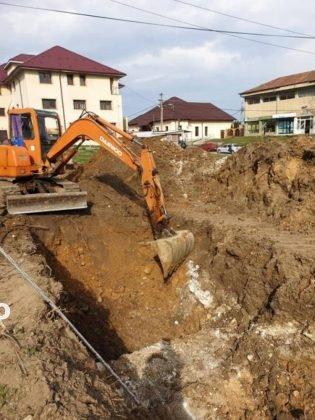 constructie scoala tulnici1 315x420 - FOTO: Azi a început construcția unei școli, la Tulnici! Când va fi gata