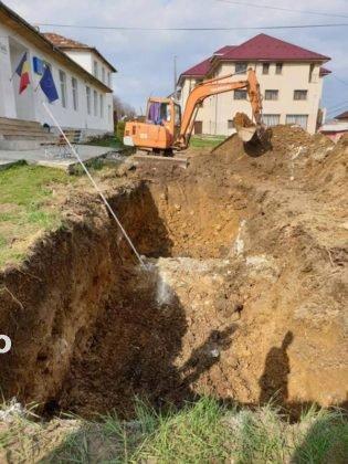 constructie scoala tulnici2 315x420 - FOTO: Azi a început construcția unei școli, la Tulnici! Când va fi gata