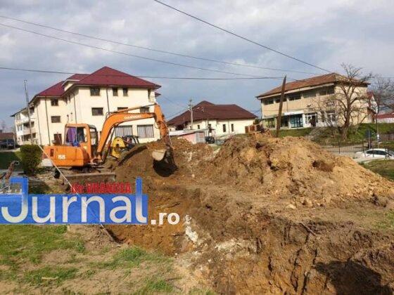 constructie scoala tulnici6 560x420 - FOTO: Azi a început construcția unei școli, la Tulnici! Când va fi gata