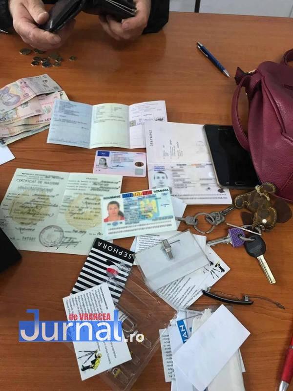 poseta furata bacau2 - Prădată într-un magazin din Bacău, o adjudeancă a avut noroc! Și-a recuperat poșeta cu tot ce avea în ea