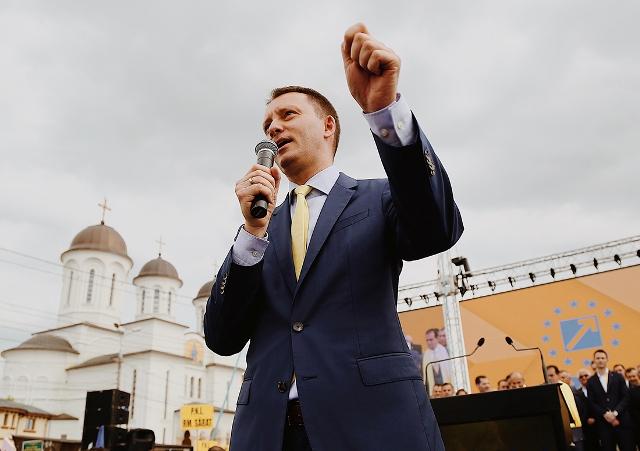1 Siegfried Muresan - Eveniment de amploare în Parlamentul European, după alegeri. Vinurile din Vrancea vor fi promovate de liberalul Siegfried Mureșan și colegii săi parlamentari de Vrancea