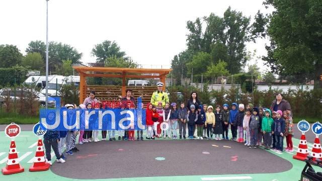 educatie rutiera velo park4 - FOTO: Lecții pentru micii biciliști de la polițiști, la Velo Park