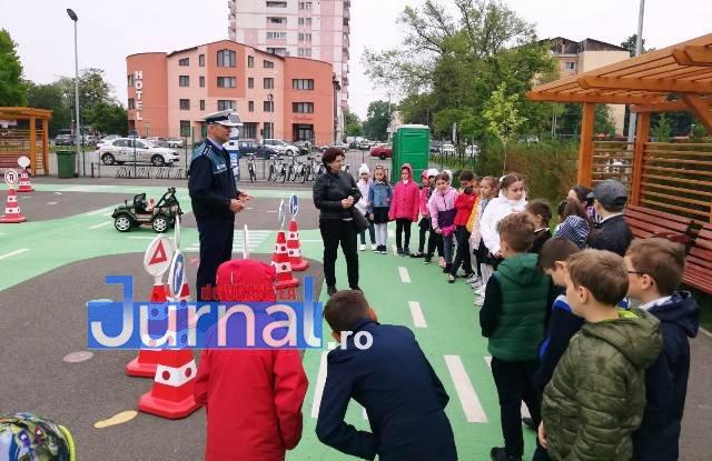 educatie rutiera velo park6 - FOTO: Lecții pentru micii biciliști de la polițiști, la Velo Park
