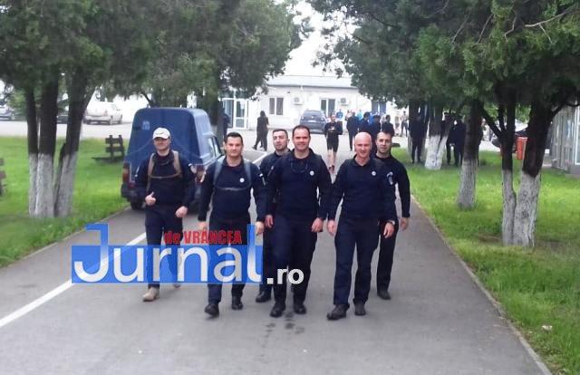 """jandarmi vranceni marsul jandarmeriei galatene5 - FOTO: Jandarmi vrânceni participanți la ,,Marşul Jandarmeriei Gălățene - Oameni în uniformă pentru oameni în uniformă"""""""