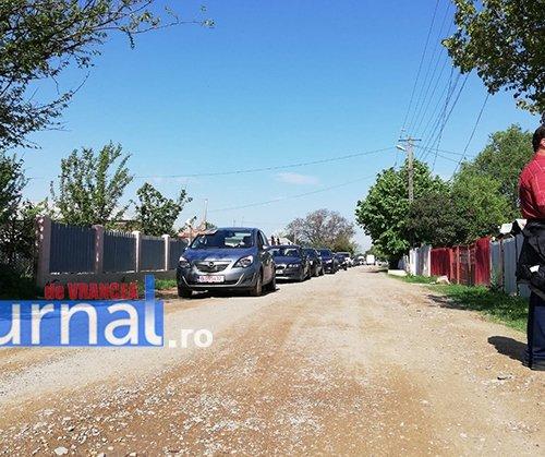 protest ciuslea 1 - FOTO-VIDEO: Protest de amploare la Garoafa. Peste 1.000 de cetățeni îi cer lui Oprișan să nu-i mai ignore. Drumul județean 205 E este praf!