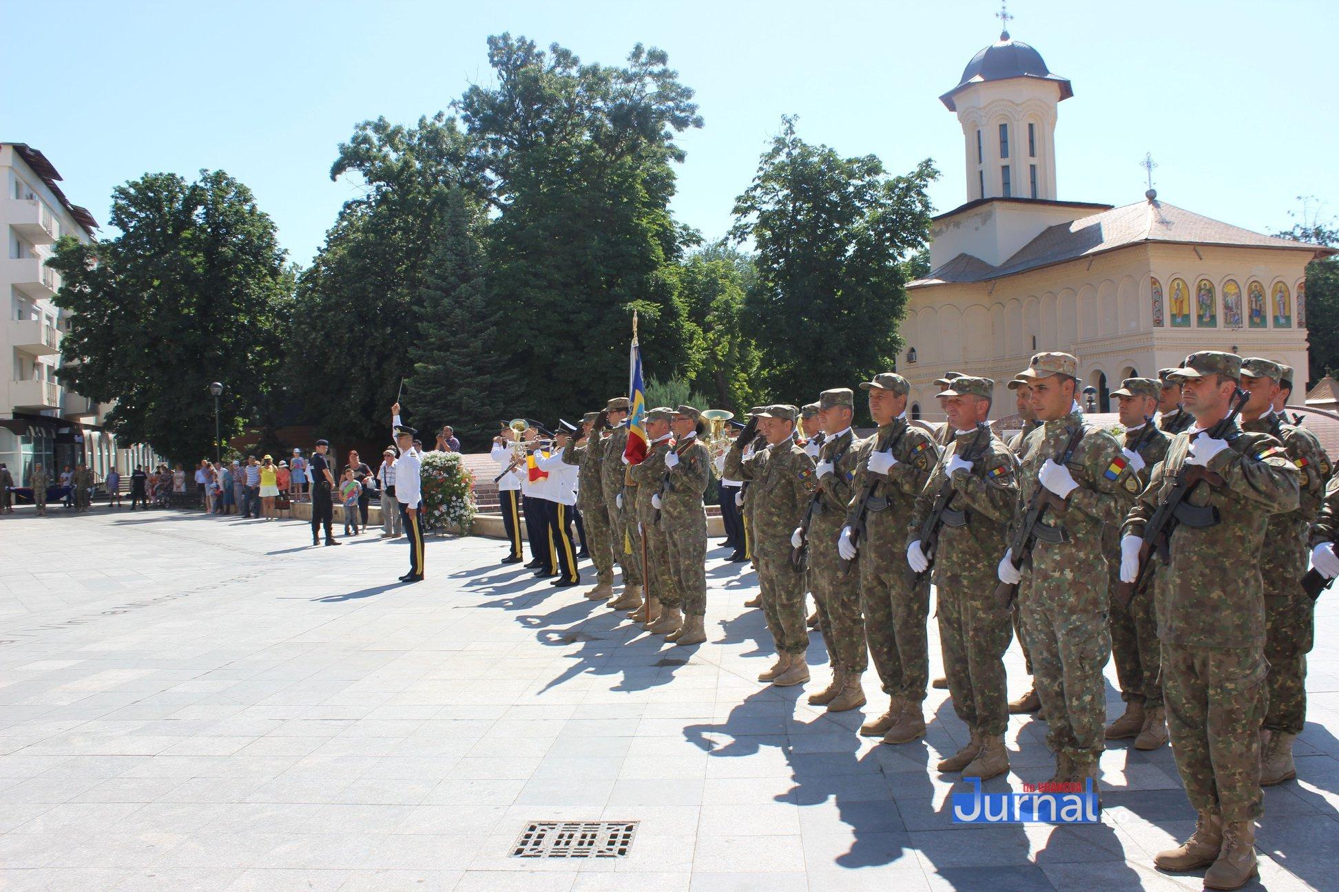 drapel 4 - GALERIE FOTO: Ceremonie la Focșani de Ziua Drapelului