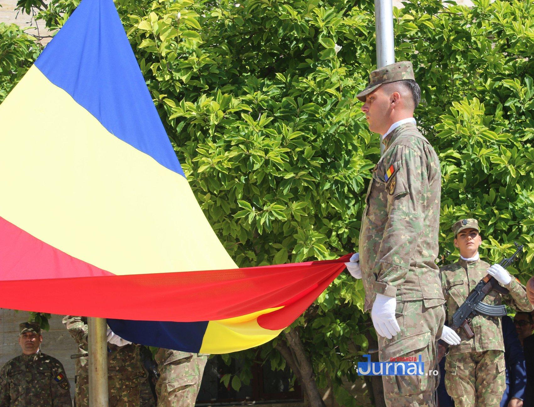 drapel 7 - GALERIE FOTO: Ceremonie la Focșani de Ziua Drapelului